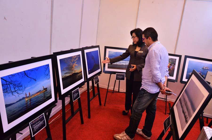 Pameran foto di Tourism Indonesia Mart & Expo 2012 yang diadakan di hotel Novotel Lampung,