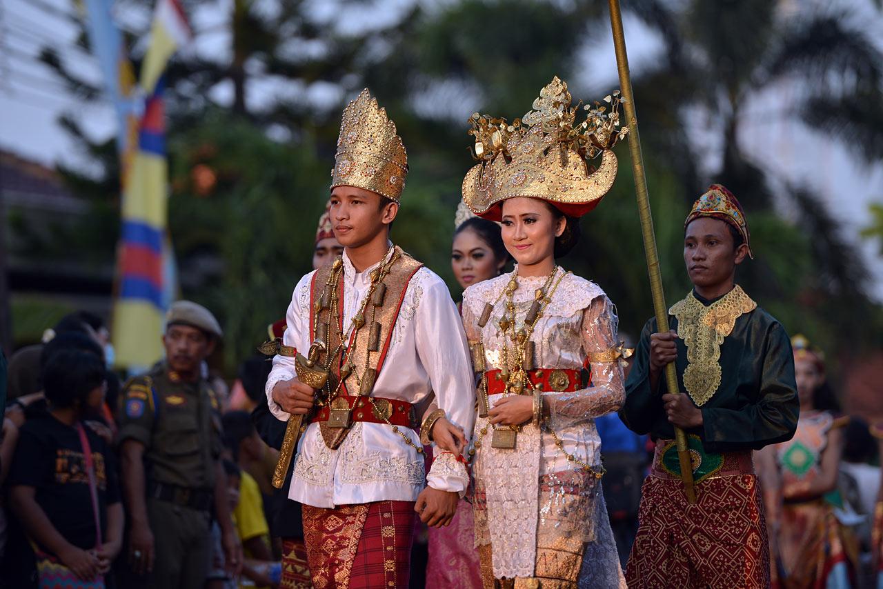 Bandar Lampung - Pawai Budaya Festival Krakatau 2015 - 2