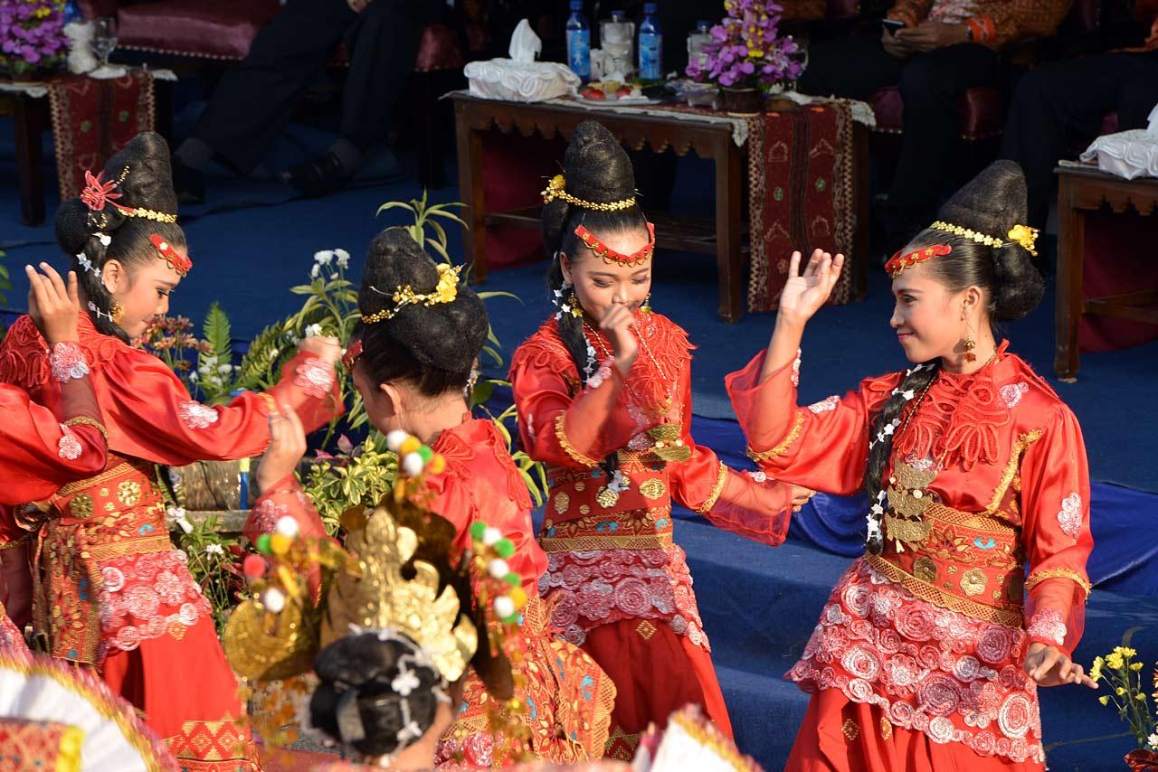 Lampung Selatan - Pawai Budaya Festival Krakatau 2015