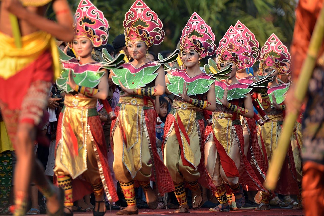 Pawai Budaya - Festival Krakatau 2015 - 11