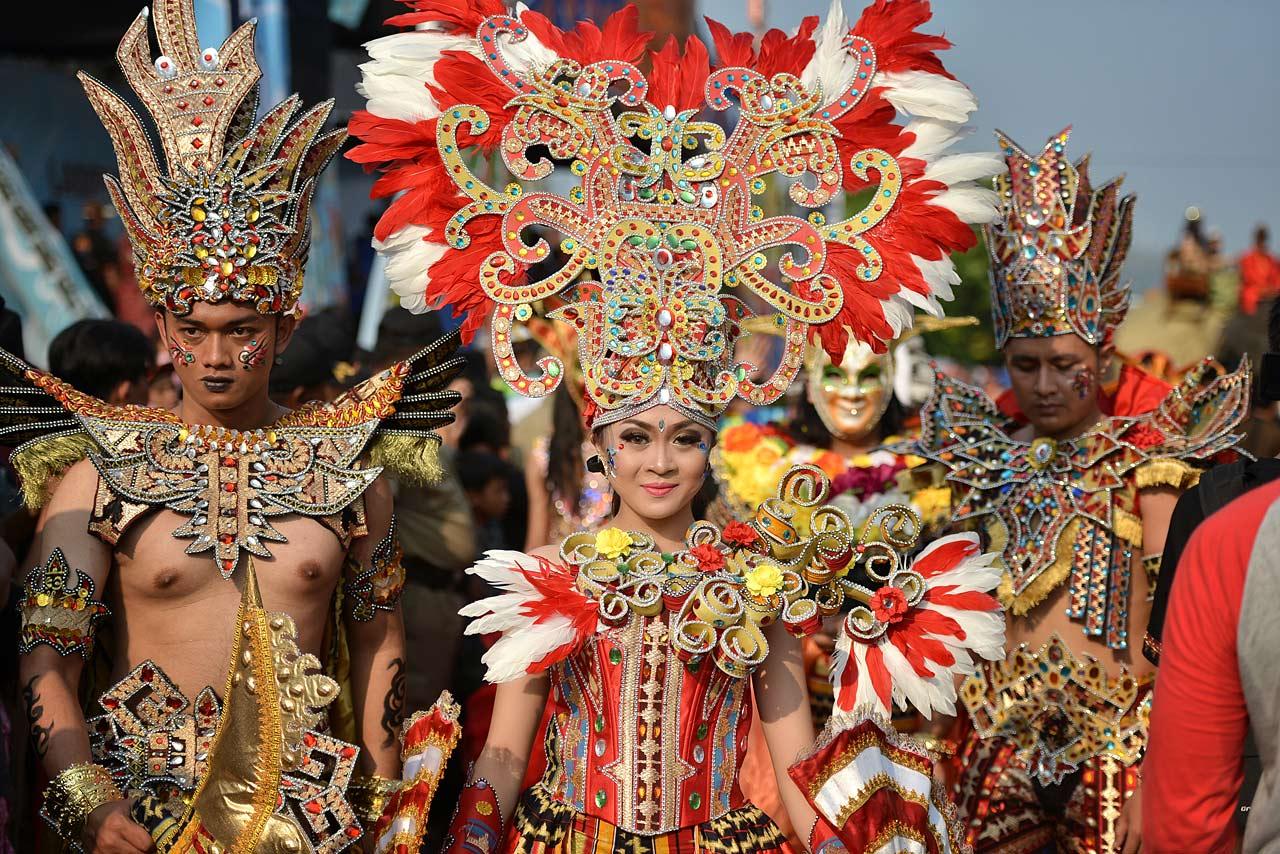 Pawai Budaya - Festival Krakatau 2015 - Tapis Fantasi