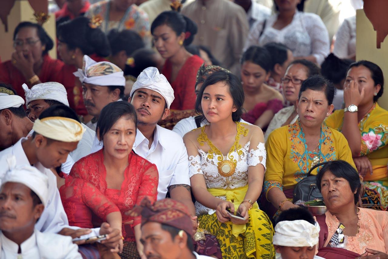 Sebagian umat Hindu yang hadir di peringatan Kuningan.