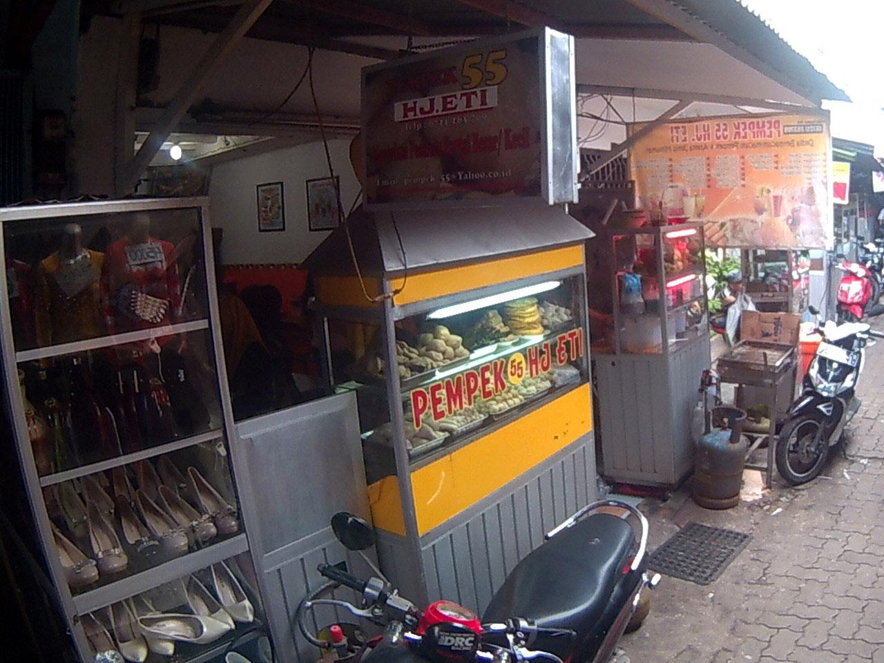 Pempek 55 Hj Eti Lorong King, Kota Bandar Lampung.