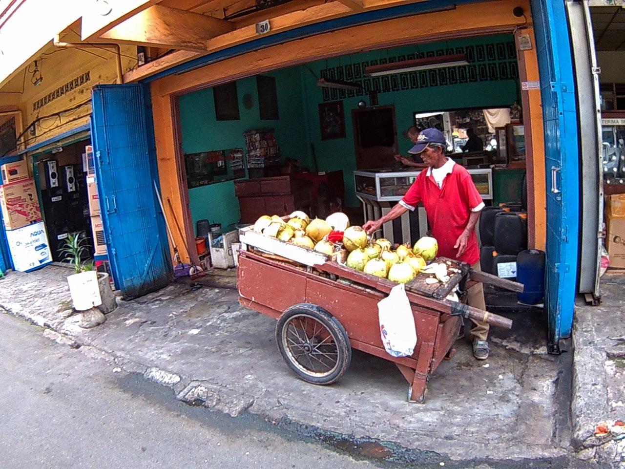 penjual degan di jalan Bengkulu - kota Bandar Lampung