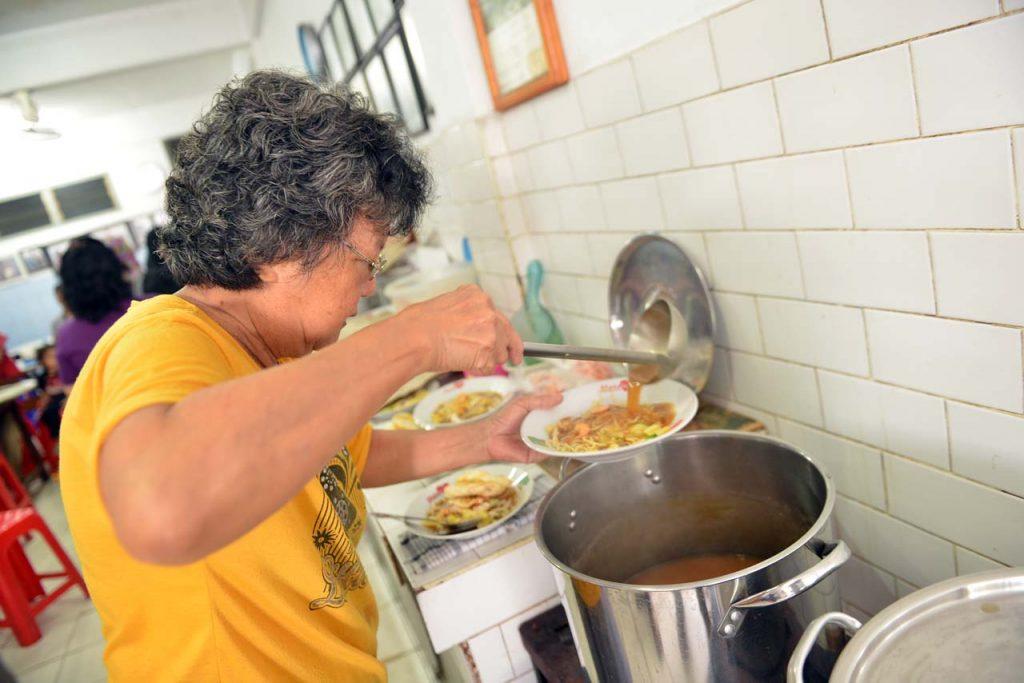Wisata Kuliner Belitung - Mie Belitung Atep - Yopie Pangkey - 1