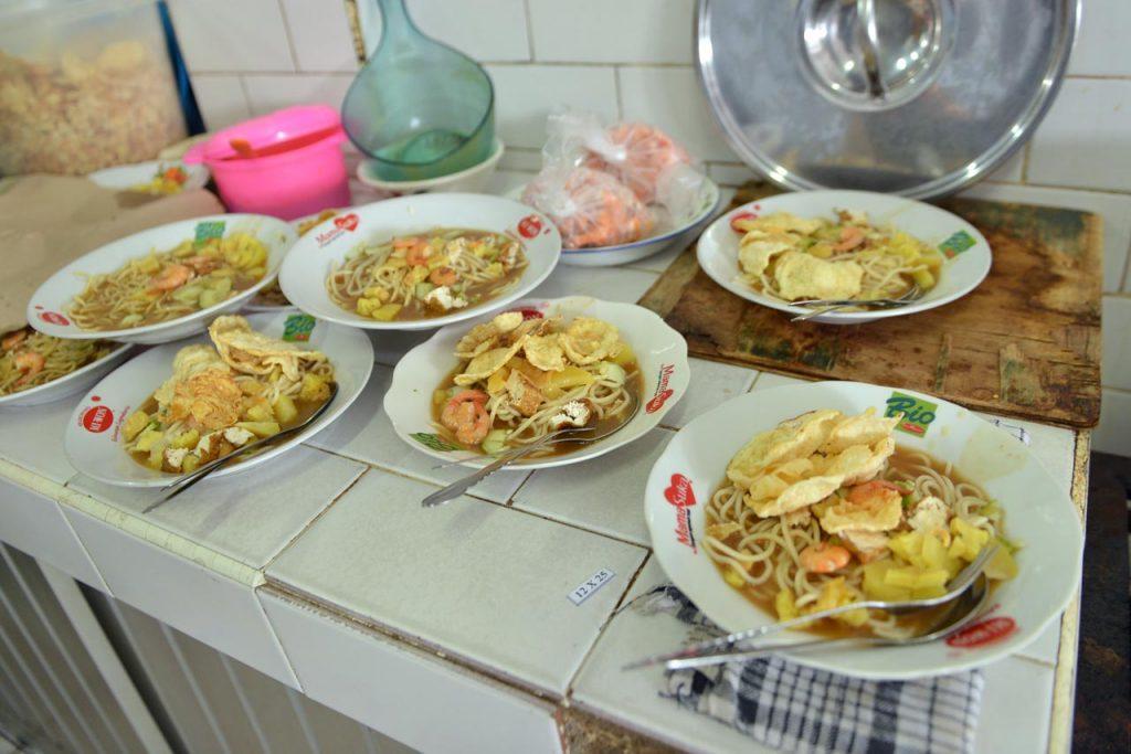 Wisata Kuliner Belitung - Mie Belitung Atep - Yopie Pangkey - 2