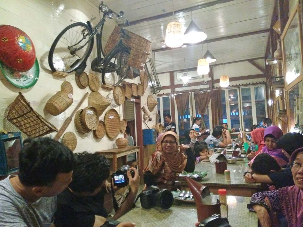 Wisata Kuliner Belitung - RM Timpo Duluk - Yopie Pangkey - 6