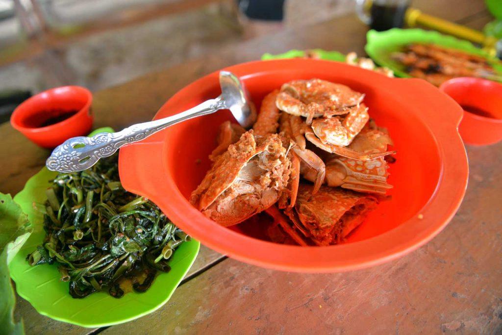Wisata Kuliner Belitung - restoran pulau kepayang - Yopie Pangkey
