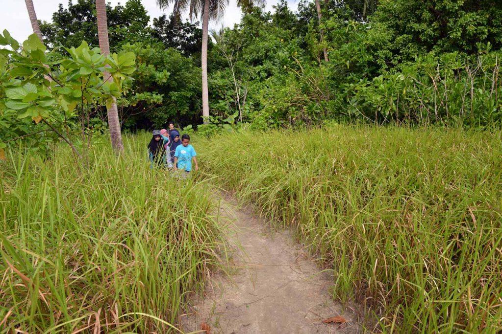 wisata belitung - pulau lengkuas - yopie pangkey - 27