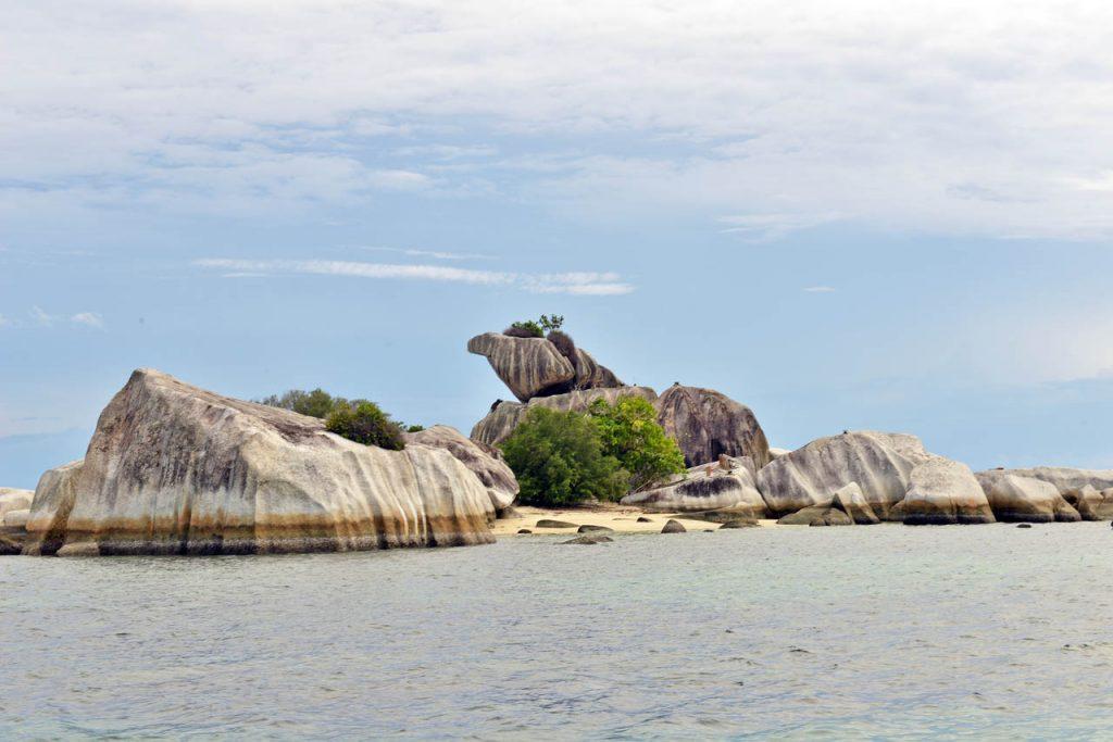wisata belitung - pulau lengkuas - yopie pangkey - 7