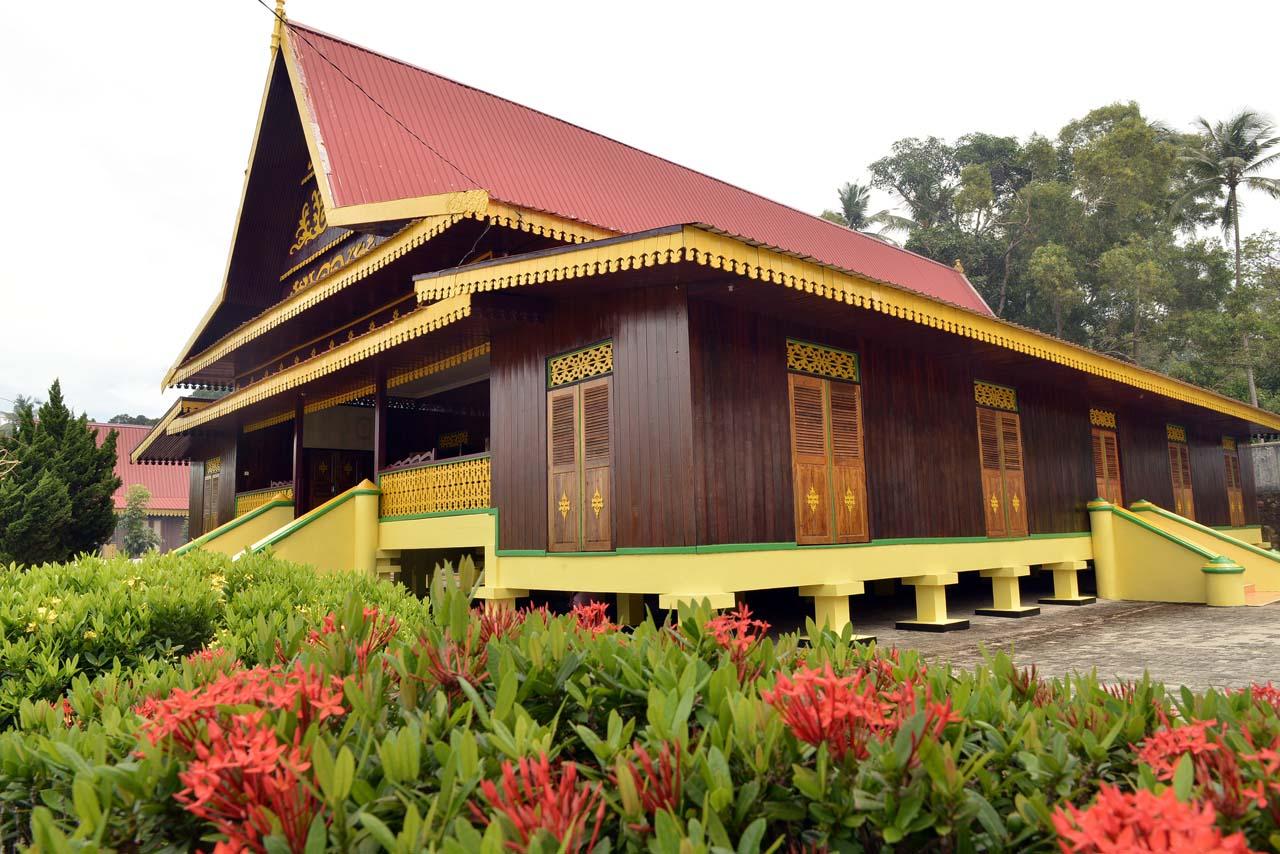 Balai Adat Melayu - Pulau Penyengat - Yopie Pangkey - 2