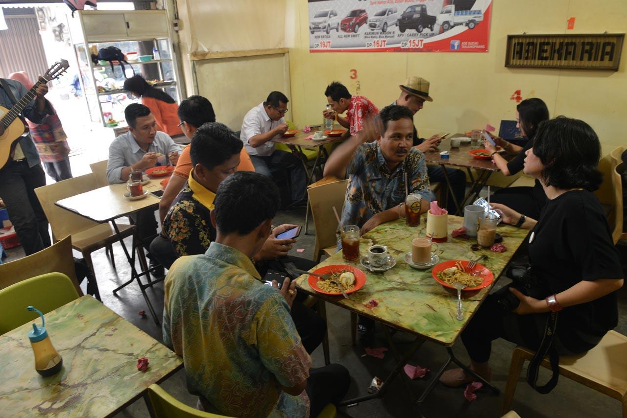 kedai kopi ria - tanjungpinang - yopie pangkey 1