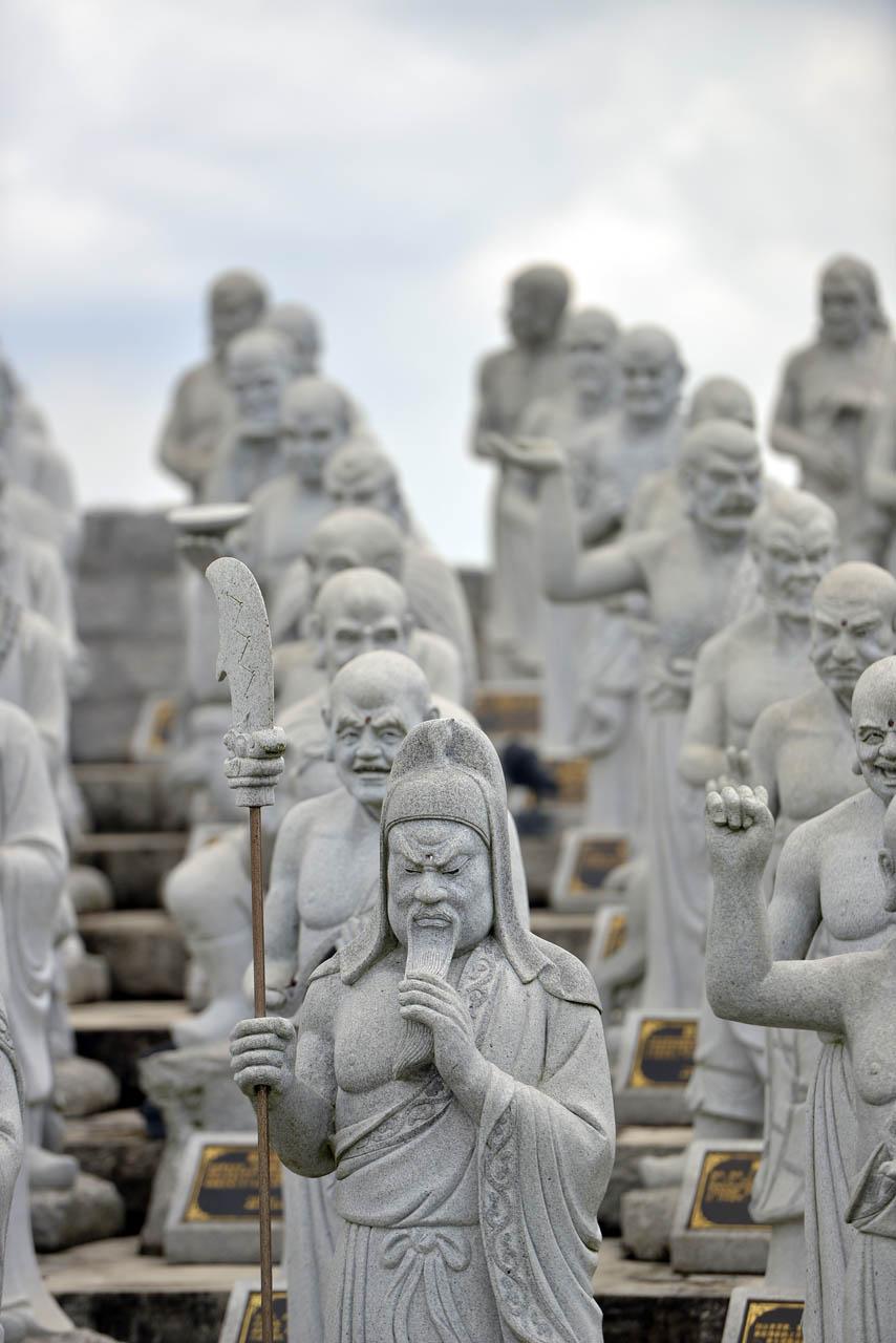 Vihara 1000 patung - Yopie Pangkey - 10