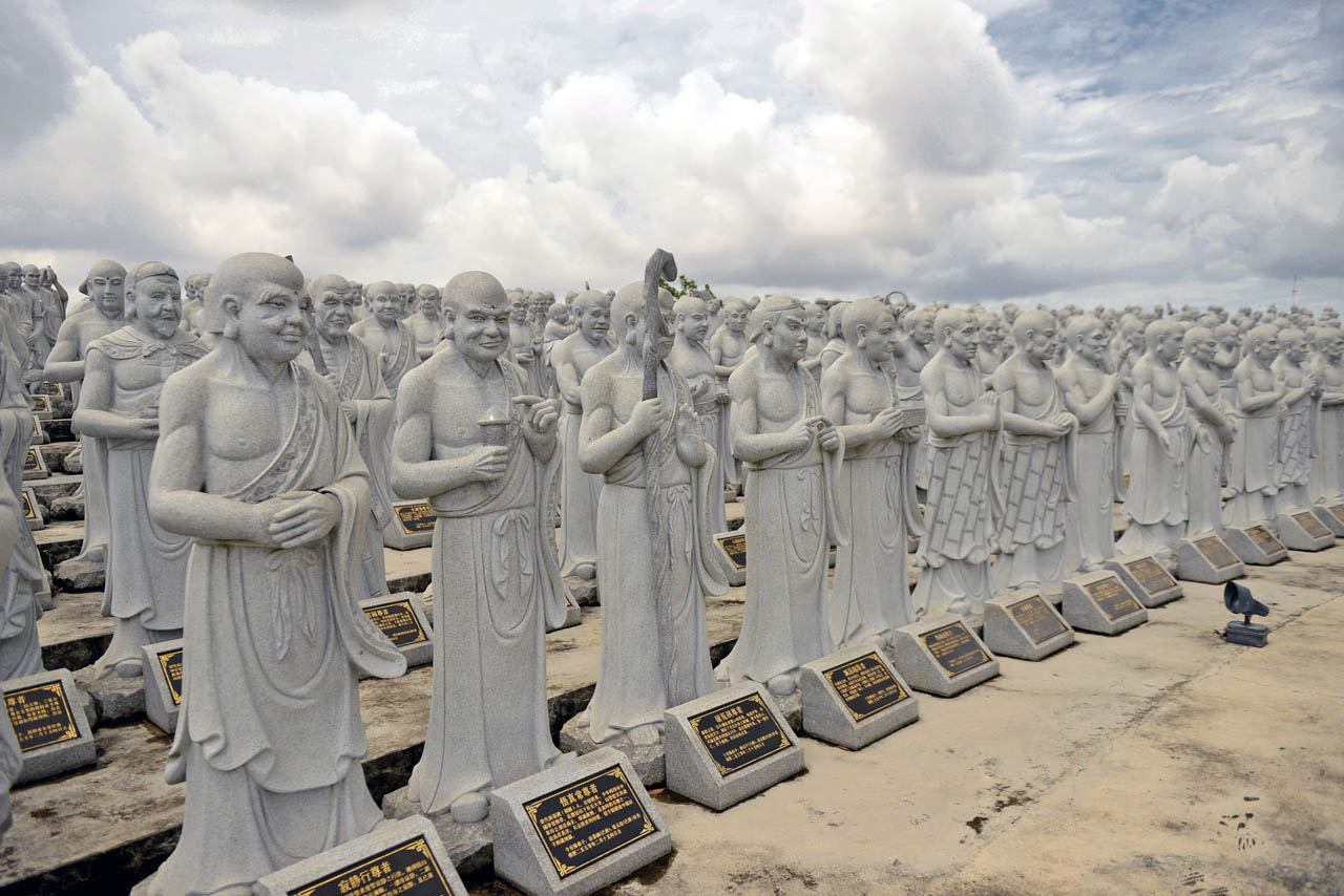 Vihara 1000 patung - Yopie Pangkey - 5
