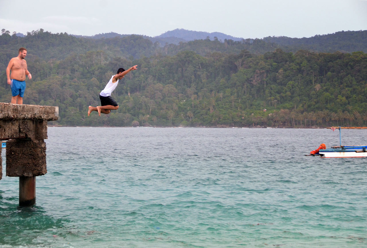 Lompat - Pulau Pisang Pesisir Barat Lampung - Yopie Pangkey - 2