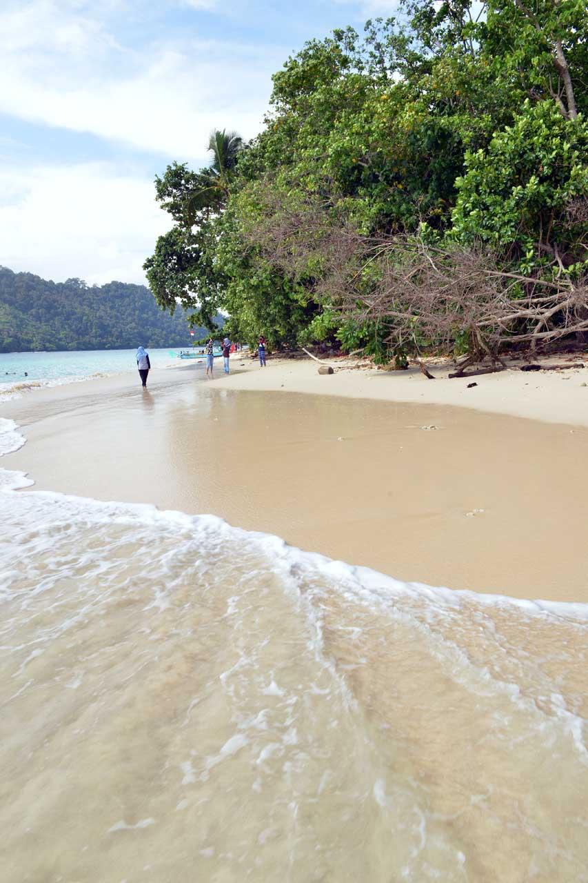 Pulau Kelapa - Teluk Kiluan - Yopie Pangkey - 1