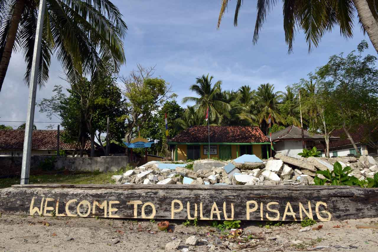 Welcome to Pulau Pisang - Yopie Pangkey