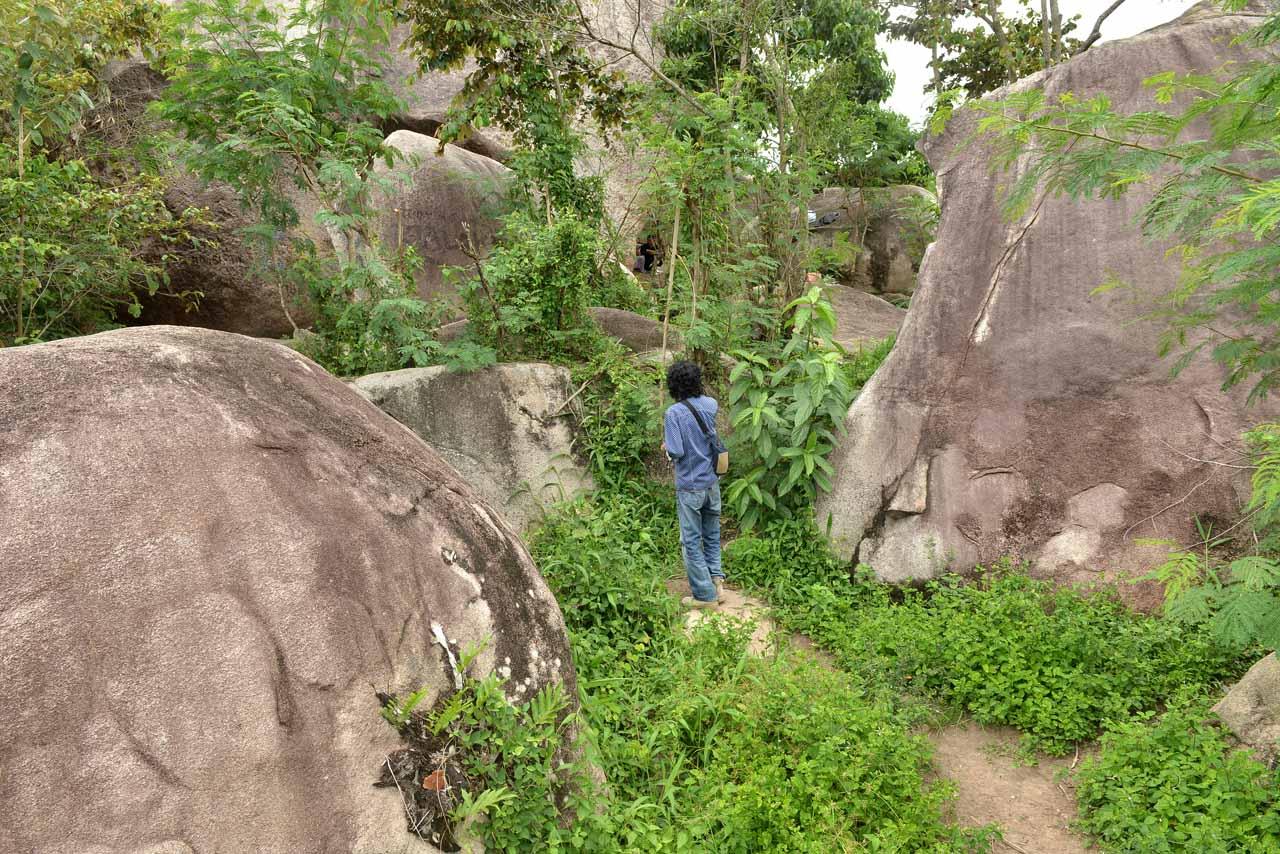 Wisata Gunung Batu Sri Katon - Yopie Pangkey - 2