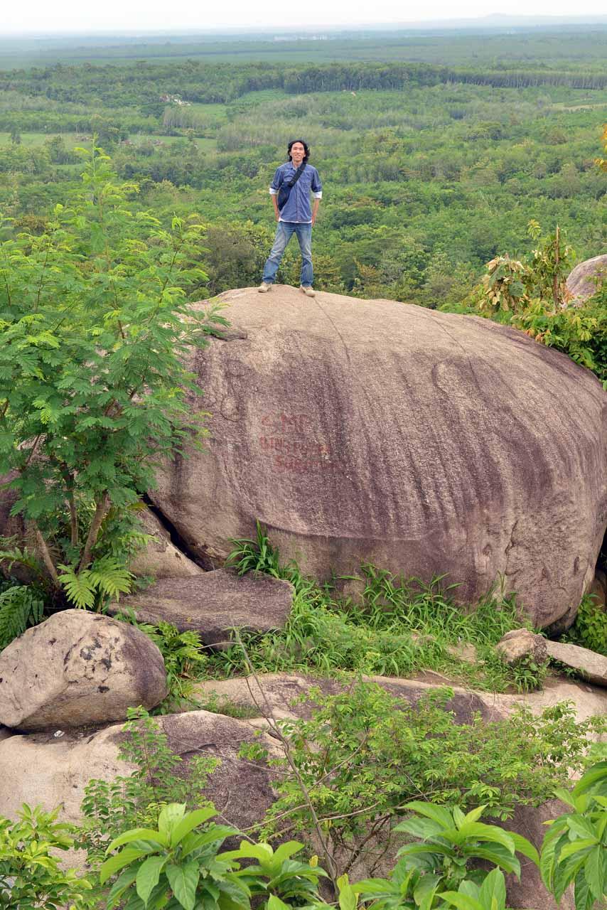 Wisata Gunung Batu Sri Katon - Yopie Pangkey - 4