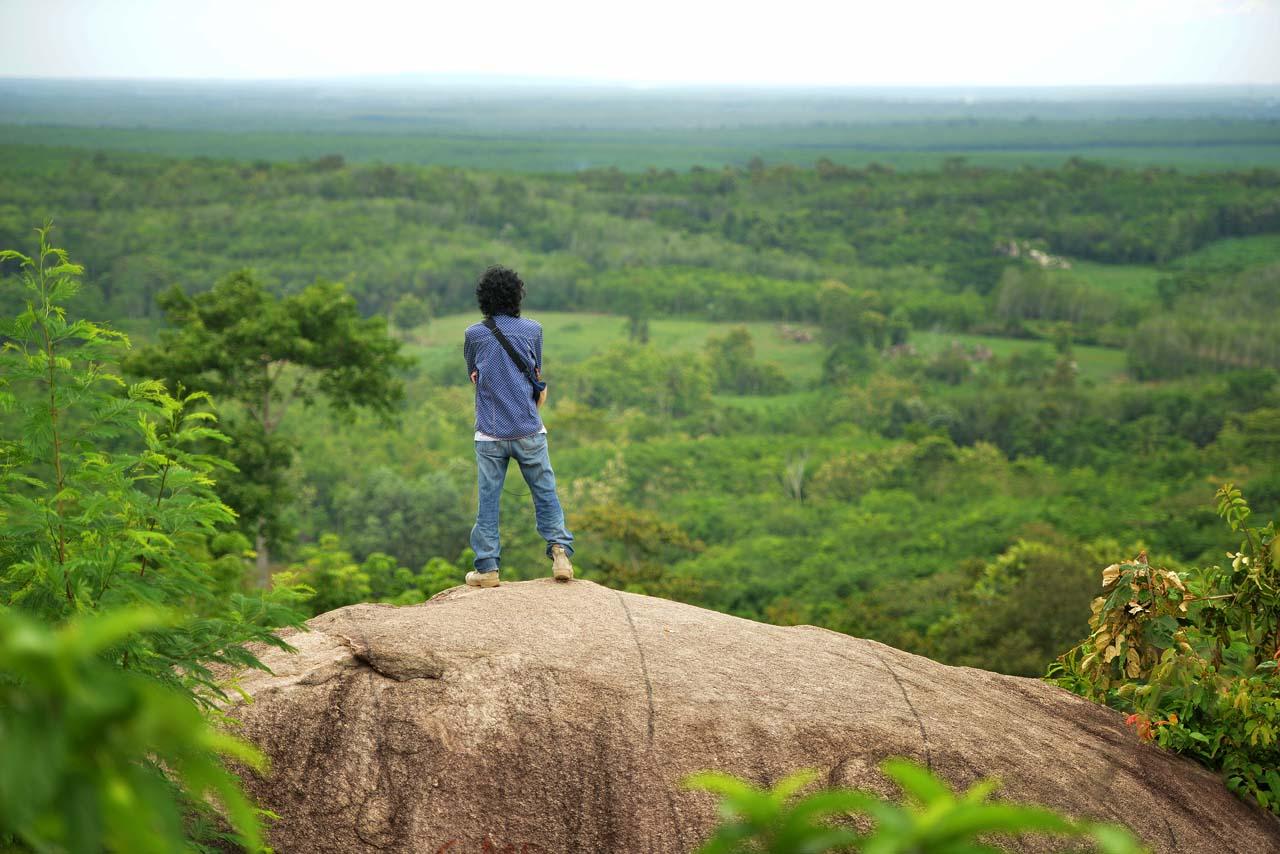 Wisata Gunung Batu Sri Katon - Yopie Pangkey - 9