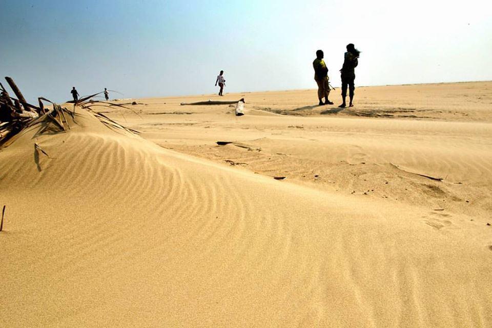 pantai cantik di pesisir barat - yopie pangkey