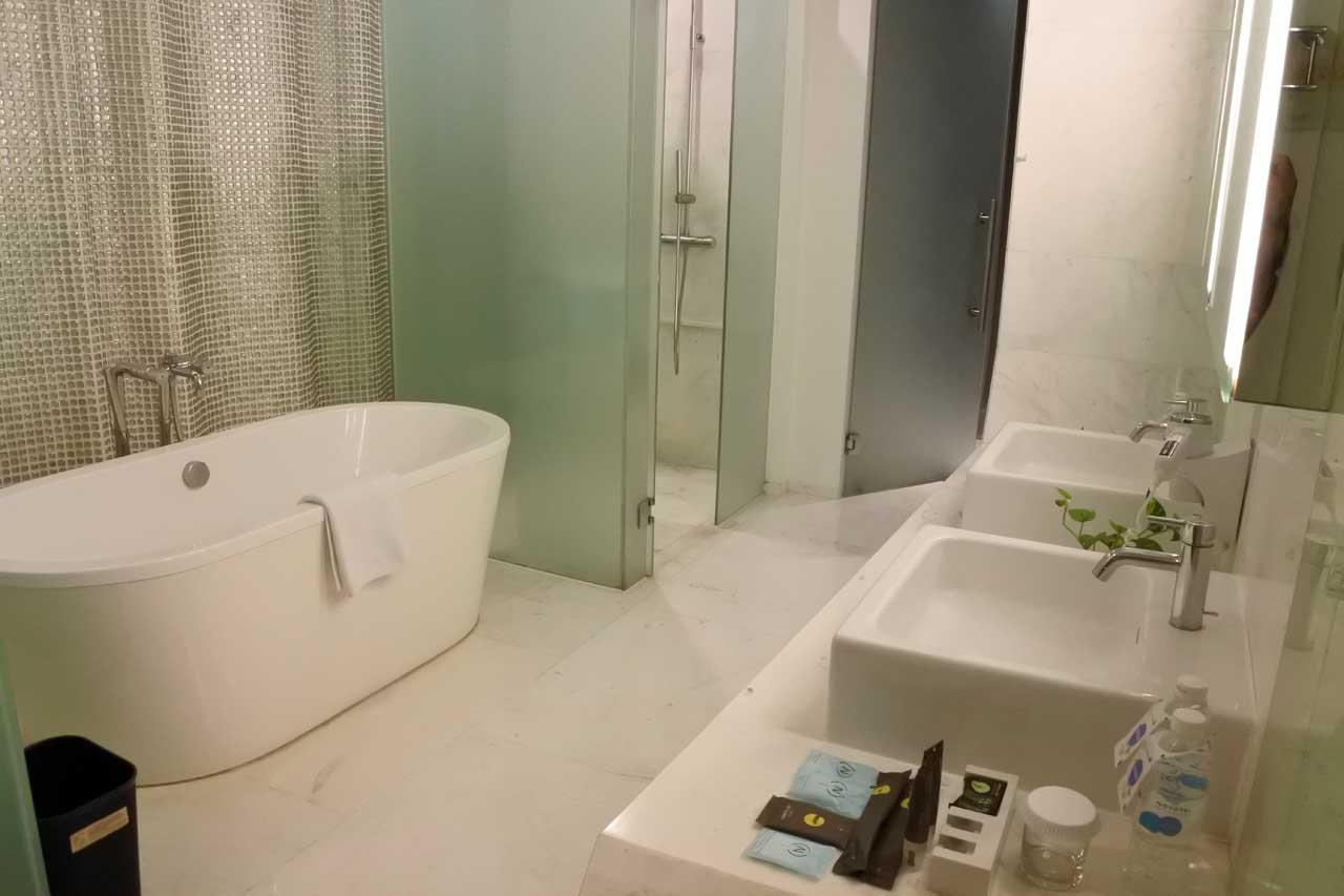 kamar mandi - Hotel Novotel Lampung - Bandar Lampung - Yopie Pangkey - Nikon 1 J5