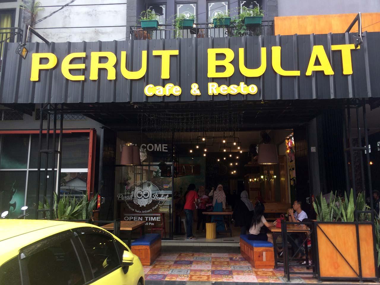 5 - iphone 52 - Perut Bulat Cafe & Resto - Yopie Pangkey