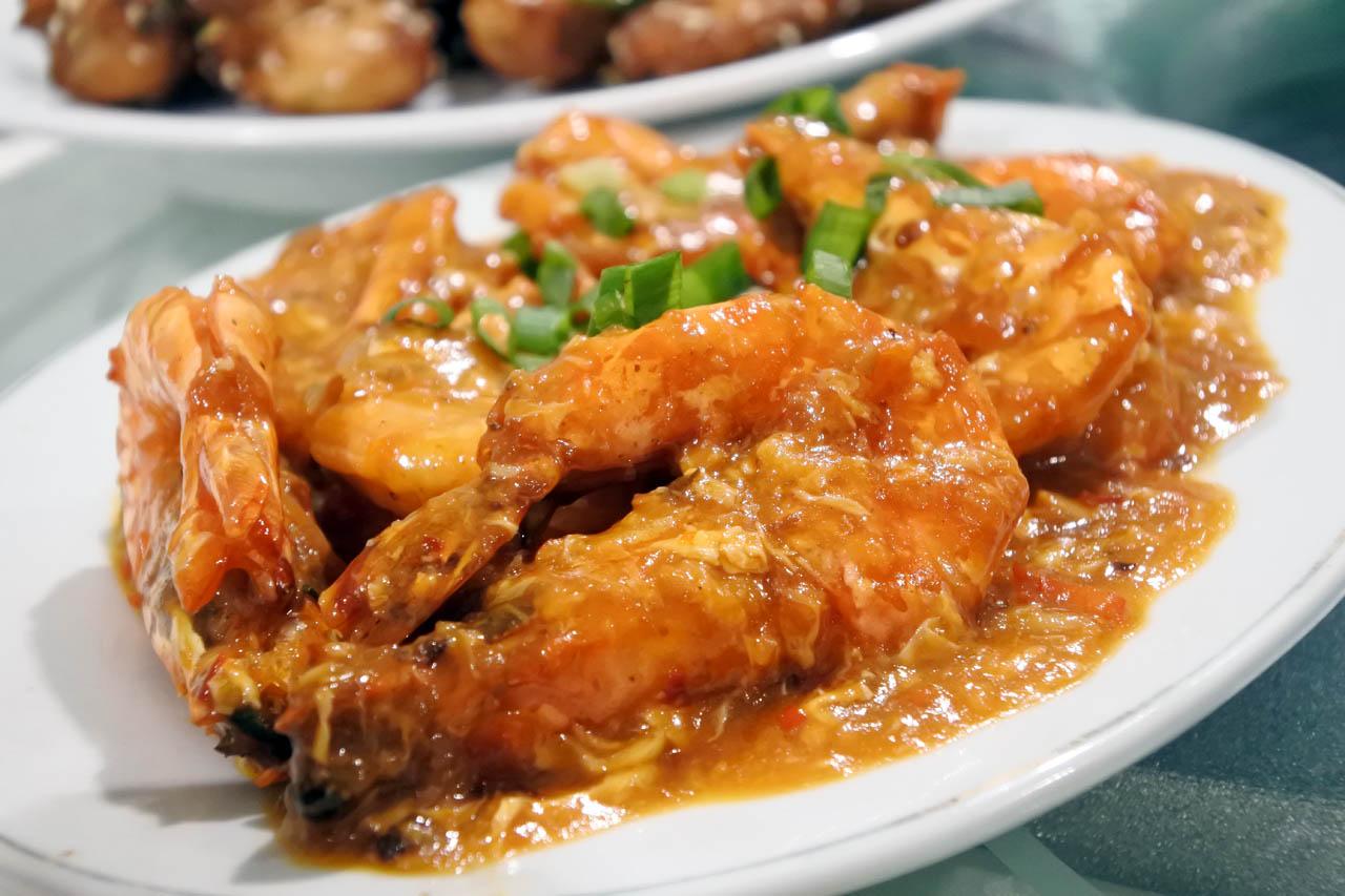 Selebriti Entertainment Center - tempat makan di bandar lampung - yopie pangkey - 3