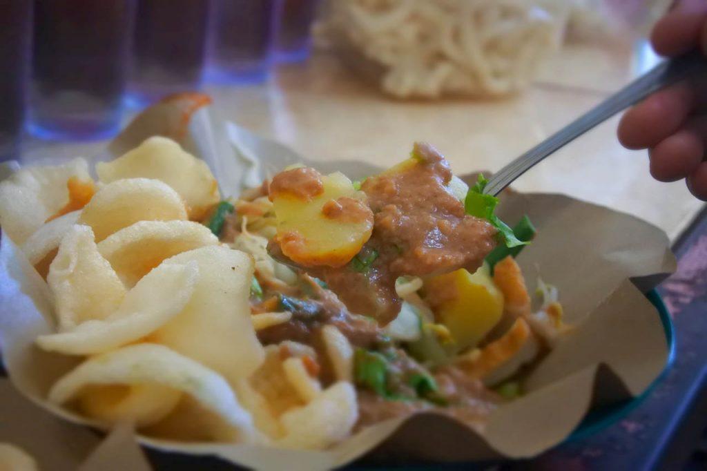 Pecel Bu Merry - Kuliner Bandar Lampung - Yopie Pangkey
