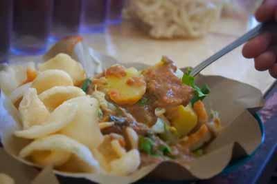 Pecel Bu Merry - Kuliner Bandar Lampung - Yopie Pangkey @