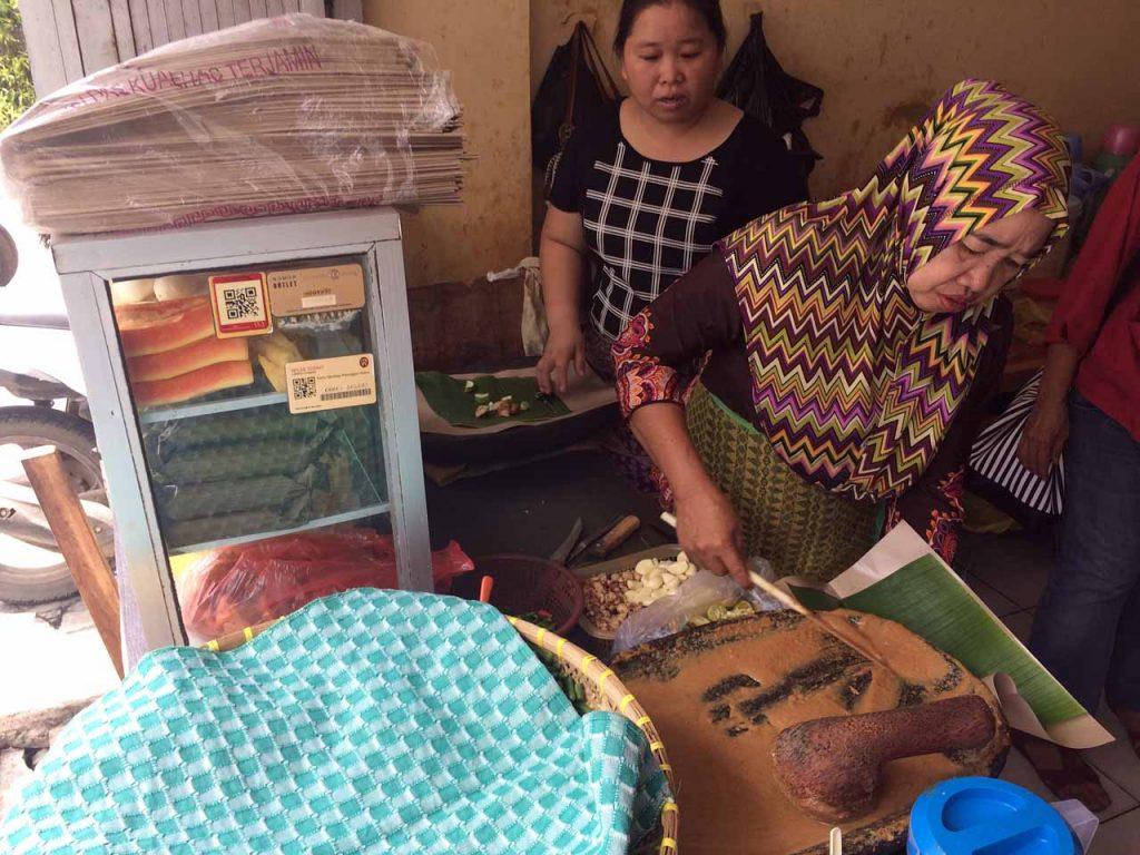 Warung Pecel Bu Merry - Kuliner Bandar Lampung - iphone 5s - Yopie Pangkey - 2