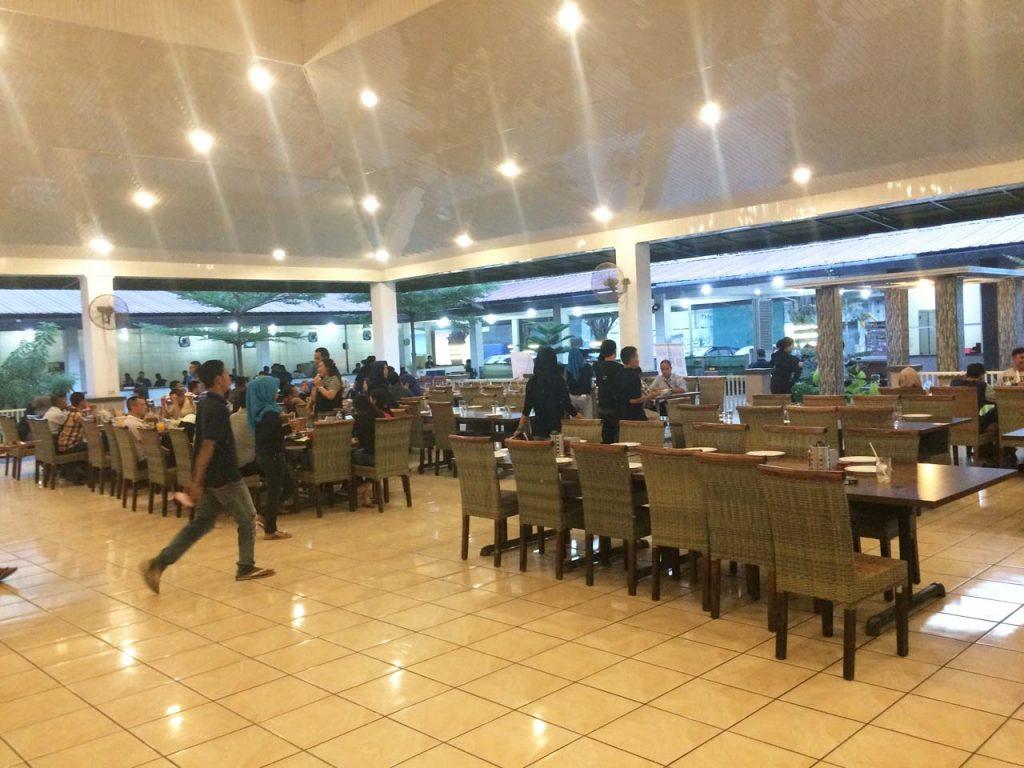 Jumbo Seafood Resto - restoran di Bandar Lampung - yopie pangkey - 5