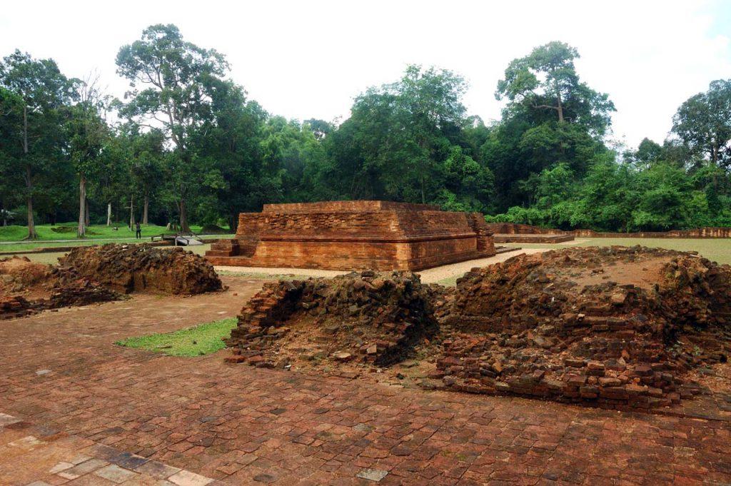 Candi Muaro Jambi - tempat wisata di jambi - yopie pangkey - 6