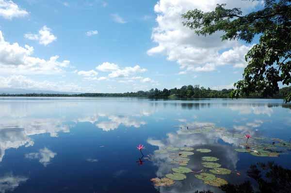 danau dendam tak sudah - tempat wisata di bengkulu - yopie pangkey @