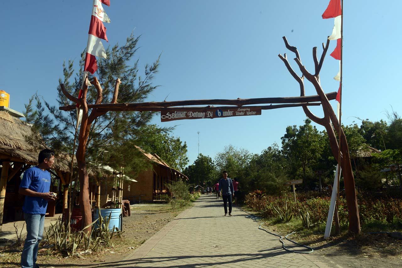 Pantai Bangsring Banyuwangi - tempat wisata di banyuwangi - yopie pangkey - 1