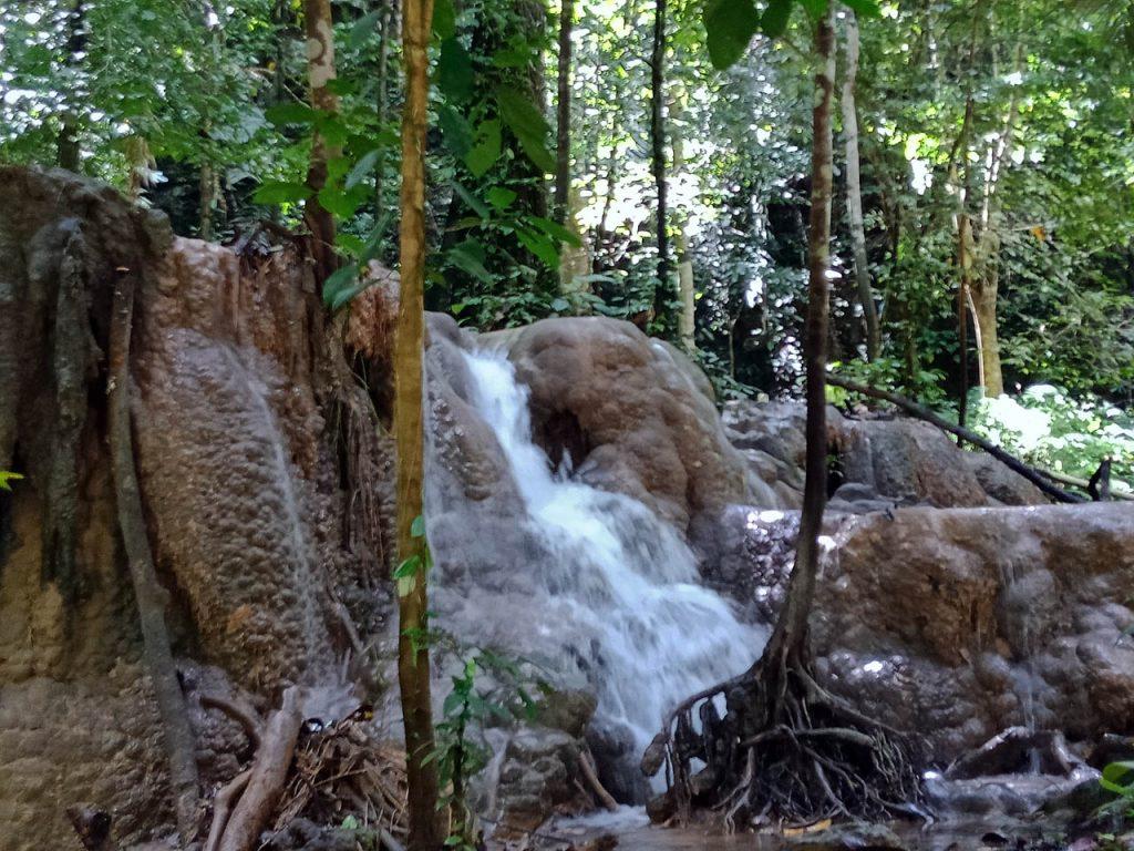 Air Terjun Moramo - tempat wisata di Sulawesi Tenggara - Yopie Pangkey - 5