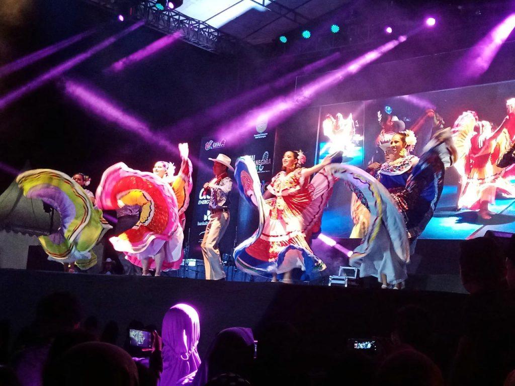 Erau Adat Kutai dan International Folk Art Festival VI - 2018 - yopie pangkey - 2