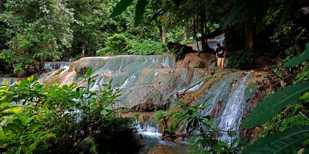 Misteri Air Terjun Moramo - tempat wisata di Sulawesi Tenggara - Yopie Pangkey - 4