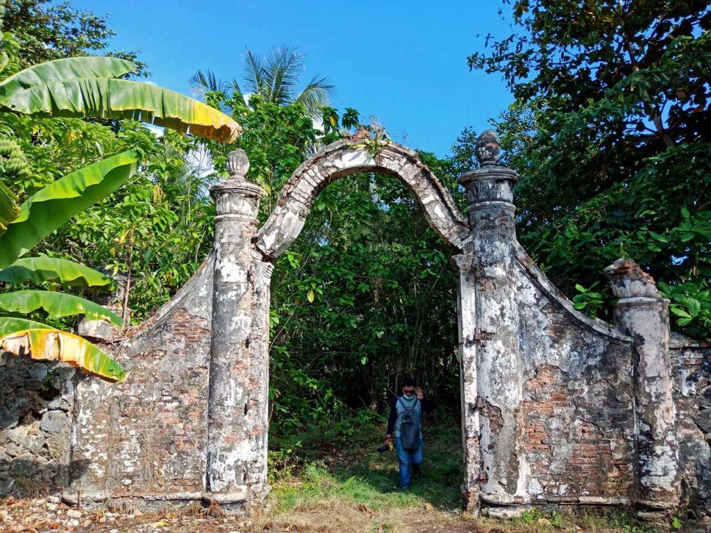 Gerbang Istana - Wisata Pulau Penyengat - Yopie Pangkey - 1