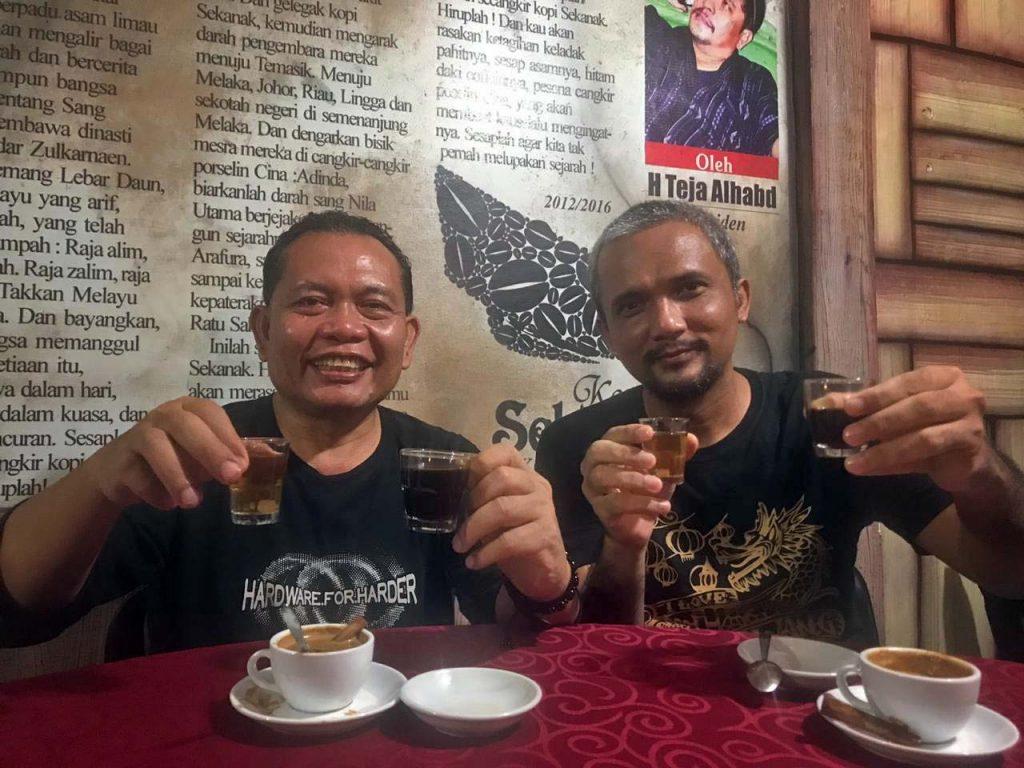 Kopi Sekanak Dapoer Melayu bersama Kepala Dinas Pariwisata Kepri Boer Alimar