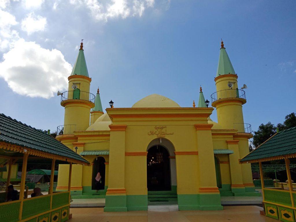 Masjid Raya Sultan Riau - Wisata Pulau Penyengat - Yopie Pangkey - 11