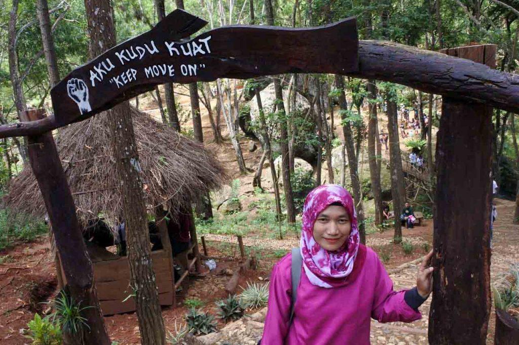 tempat wisata di jogja - Seribu Batu Songgo Langit - yopie pangkey