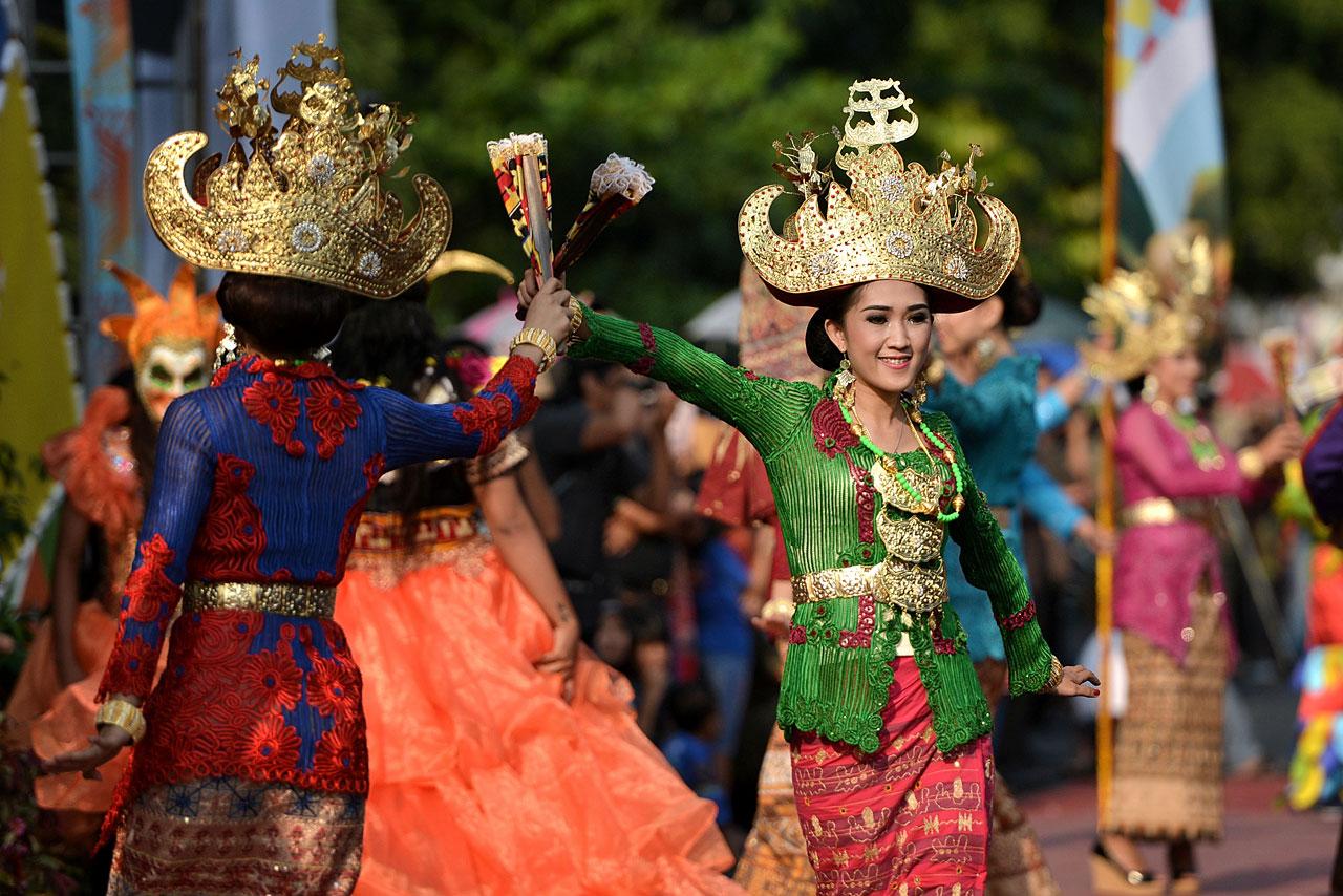 Pawai Budaya - Festival Krakatau 2015 - 1