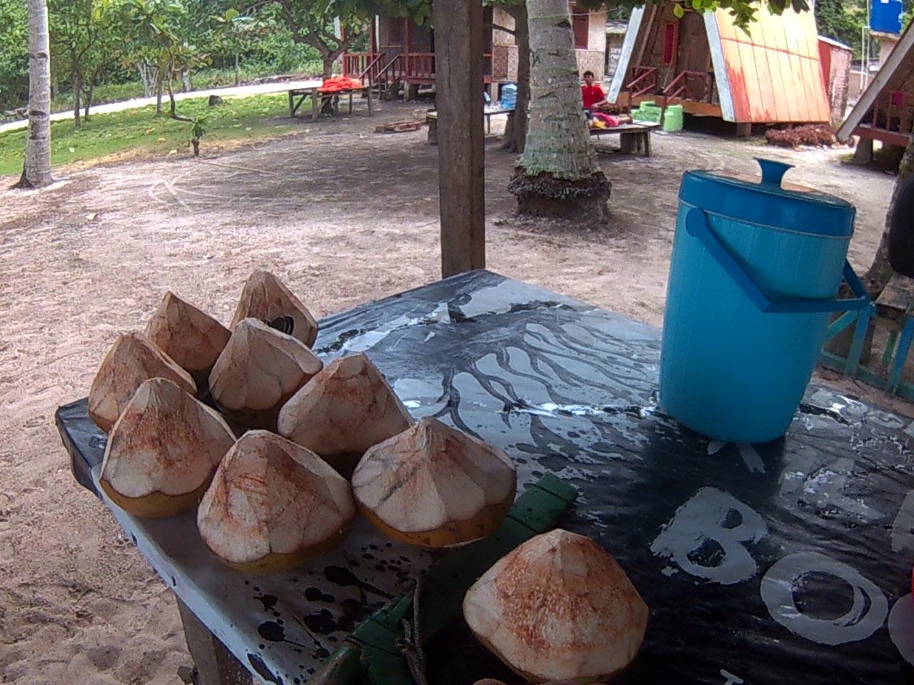 Teluk Kiluan - Tempat Wisata di Lampung - Yopie Pangkey - 2