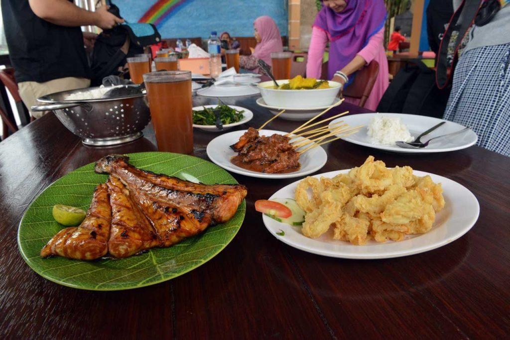 Wisata Kuliner Belitung - RM Fega- Yopie PAngkey - 2