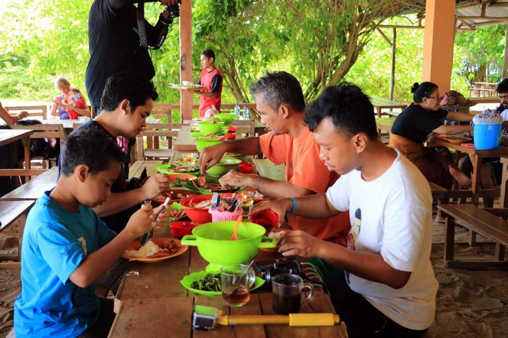 wisata belitung - pulau lengkuas - yopie pangkey - 37