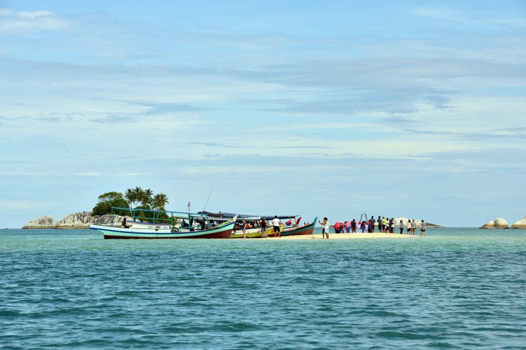 wisata belitung - pulau lengkuas - yopie pangkey - 8