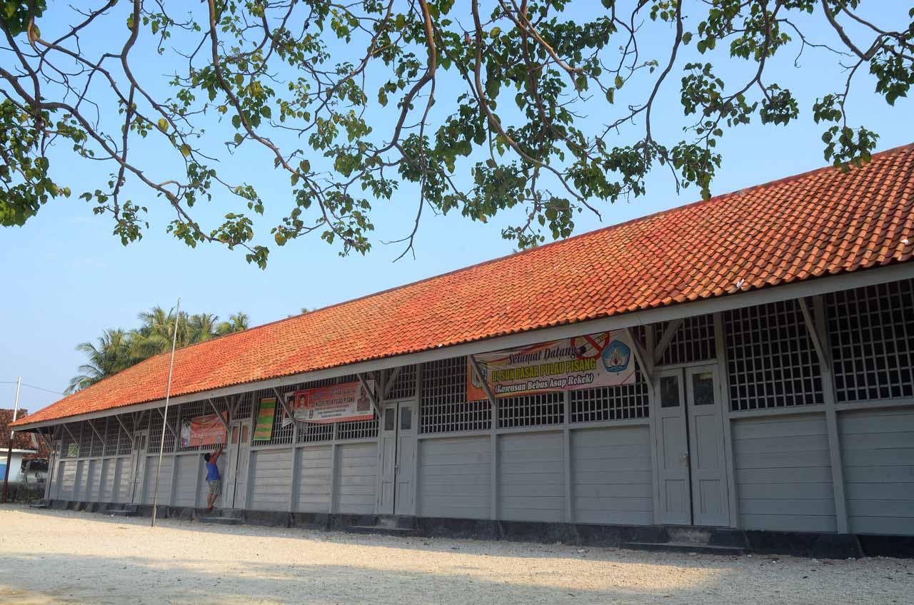 SD peninggalan Belanda di pulau pisang - yopie pangkey