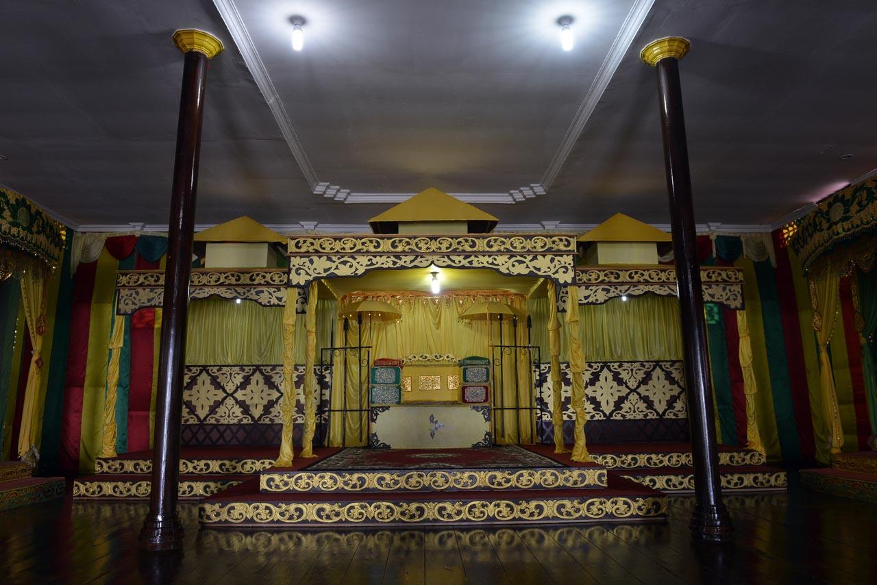 Balai Adat Melayu - Pulau Penyengat - Yopie Pangkey - 1