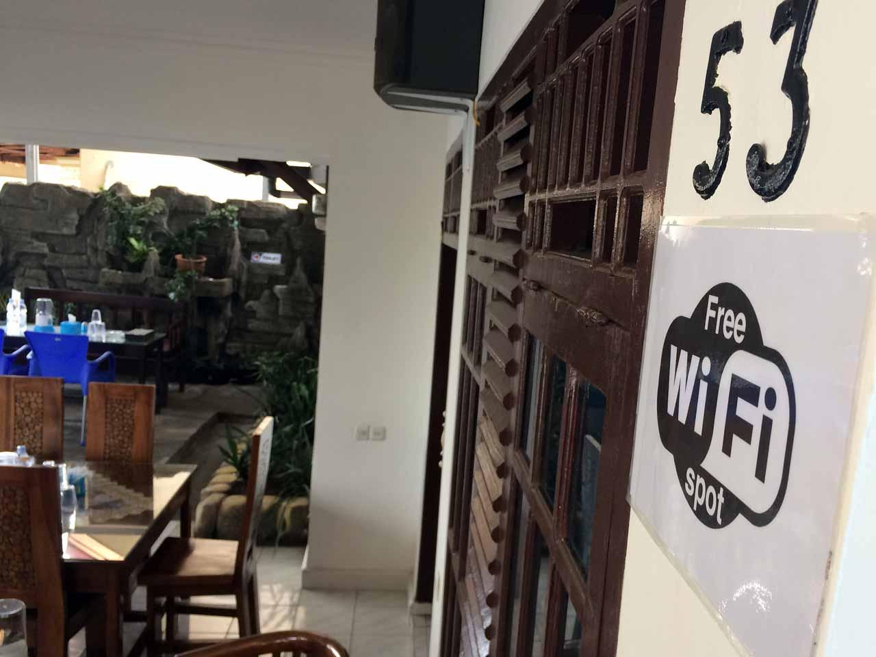 Kantin Rina - Tempat makan di bandar lampung - yopie pangkey - 1